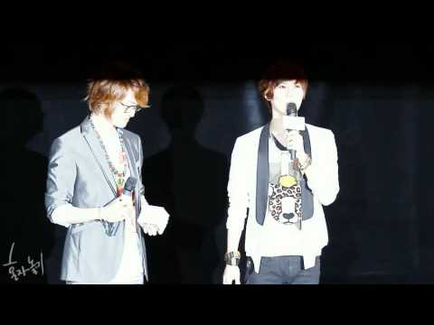 [FANCAM] 120621 Onew's obvious love towards Taemin @ I AM Movie Stage Greeting