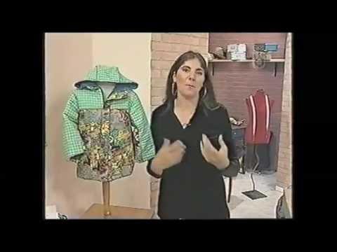 Puntos y Puntadas 453. Campera para niños, 3/4 años con capucha. Silvia C.