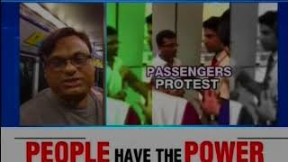 Airline Apathy: Indigo passanger 'late', not allowed to board; Passenger protests - NEWSXLIVE