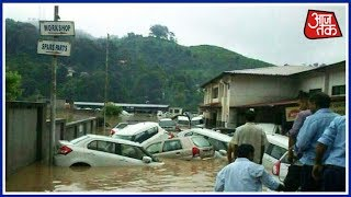 Cloudbursts Strike Himachal Pradesh; Cars, Water Pipelines Swept Away | Khabrein Superfast - AAJTAKTV