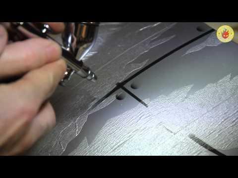 Custom paint and airbrushing a Triumph Speed Triple bike