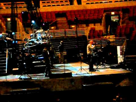 Linkin Park Burning in the Skies (Soundcheck Live) LPU Summit, United Center Chicago. 1/26/2011