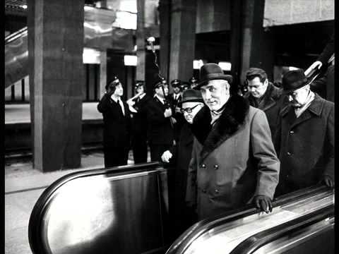 Odwaga, spryt i wrażliwość Chrisa Nidenthala pozwalały światu zobaczyć prawdę o komunistycznej Polsce.