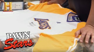 Pawn Stars: Kobe Bryant 2010 NBA Finals Warm-Up Jersey (Season 14) | History - HISTORYCHANNEL