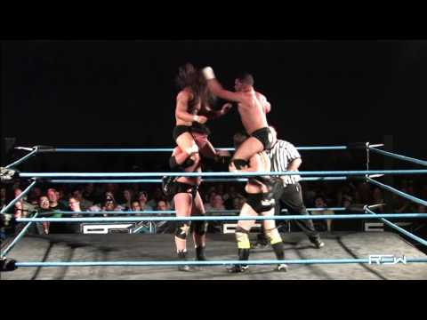 "Reality of Wrestling ""QUICK CLIP"" - Brothers Lockhart vs Heavenly Bodies"