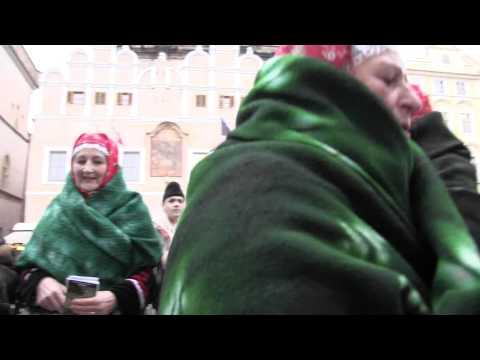 PRAHA - koledování TETEK z Kyjova a Horňáckého mužského sboru na Staroměstském náměstí