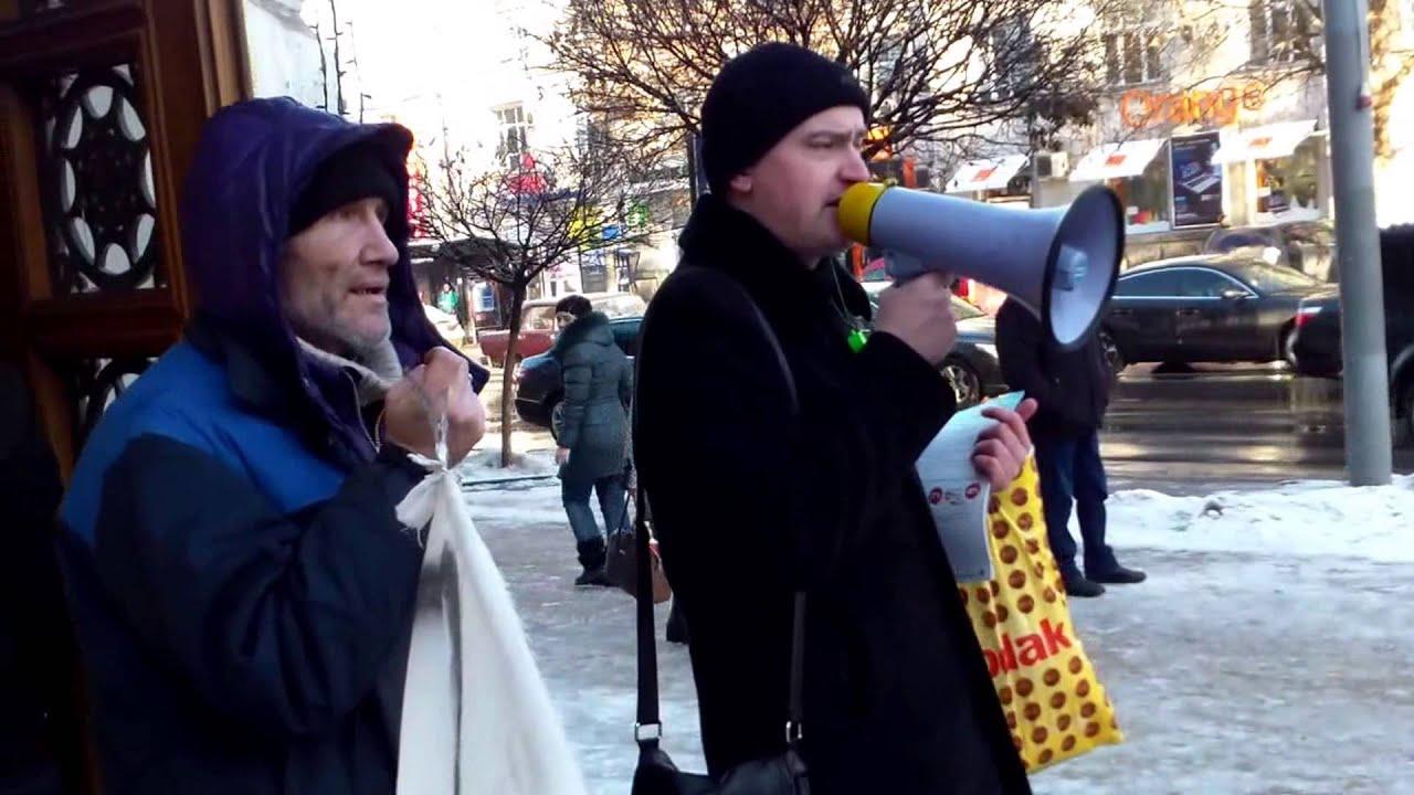 Presa ignoră protestul nostru, îl arată pe Văluță