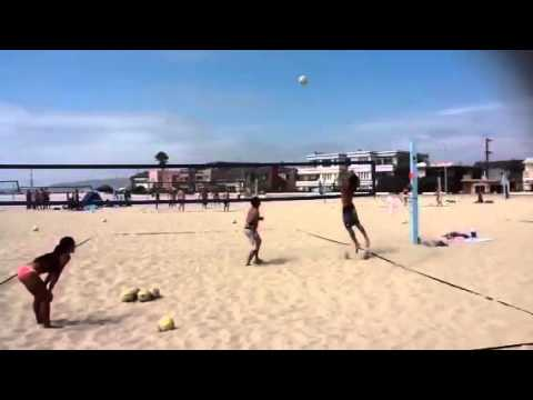 Volleyball Hitting lines at S. Mission Beach.mov