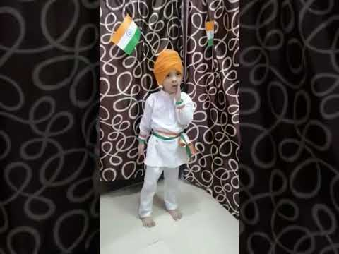 <p>नई दिल्ली, 15 अगस्त। राजधानी दिल्ली के उत्तम नगर स्थित सर्वप्रथम पाठशाला का छात्र कव्यांश गुप्ता घर पर ही स्वतंत्रता दिवस मनाता हुआ।</p>