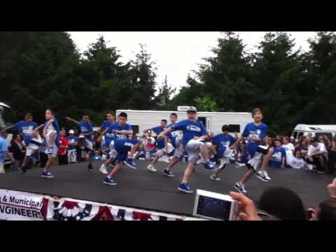 ICONic Boyz dancing live at Manalapan Day