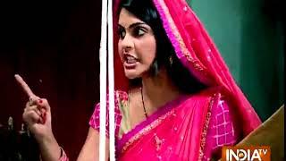 Krishna Chali London: Krishna beats up fake Bengali Baba - INDIATV