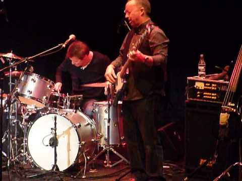Andy Fairweather Low & The Low Riders - Gin House Blues - Atkinson Southport - 7th Dec 2013