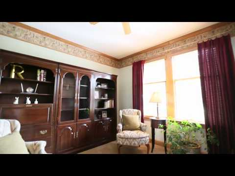 Stilwell Home Tour: 18320 Lamar Ave (Lynne Matile, BHG Real Estate)