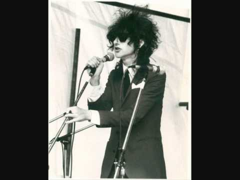 John Cooper Clarke ~ Evidently Chickentown ~ Glastonbury 1981