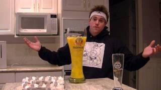 マンゴージュースを飲んでるかと思いきや実は卵50個。飲み干してます。
