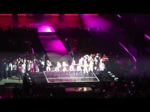 [FANCAM] SNSD-RUN DEVIL RUN SM TOWN 2012 LA