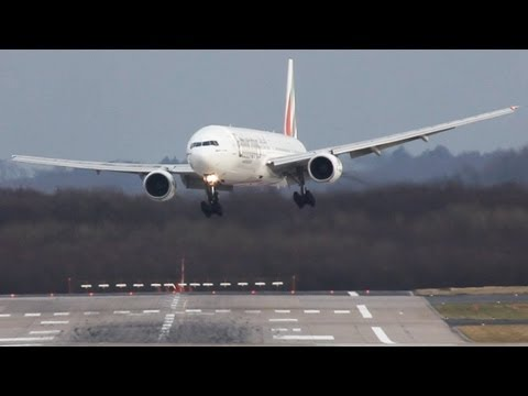 Crosswind Landings during a storm at Dsseldorf  B777,767,757 A330 Sturm Andrea, (watch in HD)