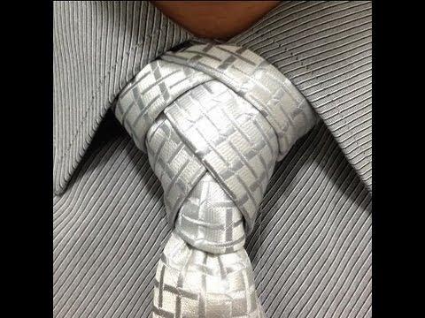 Como hacer nudo de corbata diferente. How to make a different tie knot.