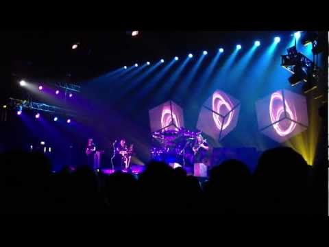 Dream Theater - Surrounded (London 2012)
