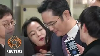 Samsung boss awaits judge's call on his arrest - REUTERSVIDEO