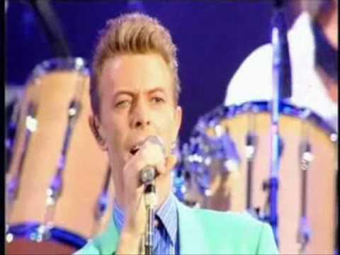 Heroes David Bowie...tributo a Freddie Mercury.