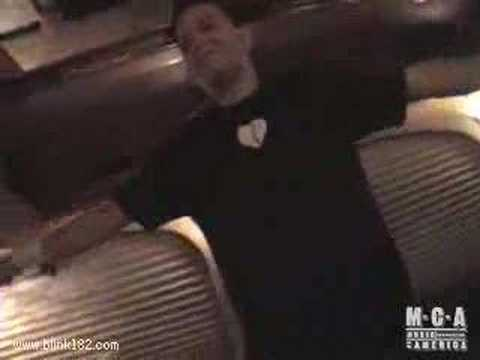 Blink 182 - Tom Delonge Dancing !!! (NEW)