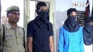 यूपी पुलिस ने कॉन्स्टेबल भर्ती परीक्षा में नकल कराने वाले गैंग के तीन लोगों को पकड़ा - NDTVINDIA