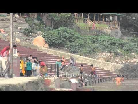 Time lapse - Rishikesh Ganga bathing