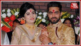 Ravindra Jadeja's Wife Assaulted By Cop In Jamnagar | Khabrein Superfast - AAJTAKTV