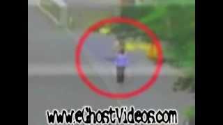 Penampakan Hantu Nyata di Jepang / Perempuan menembus tubuh Setan (