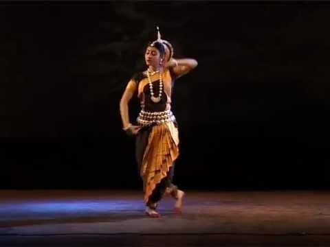 Rabindra Nritya -JHORO JHORO BORISHE BARI DHARA, by SULAGNA RAY