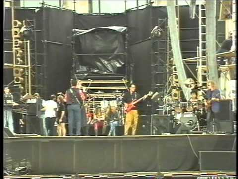 David Bowie: soundcheck on Glass Spider stage in front of the Berlin Reichstag