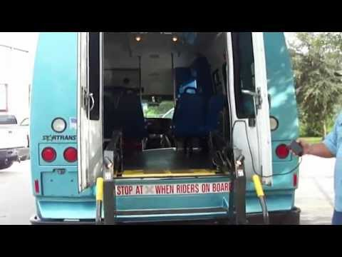 2006 CHEVROLET 3500 STAR TRANS BUS WITH WHEEL CHAIR LIFT - (SOLD)