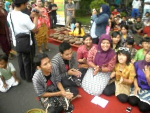 Gamelan Gaul @ Solo Car Free Day...*Bengawan Solo*