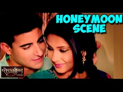 Saraswatichandra : Saras and Kumud's HOT HONEYMOON SCENE | FULL EPISODE