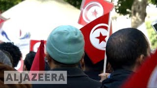 Tunisians march to remember 2011 and protest conditions - ALJAZEERAENGLISH