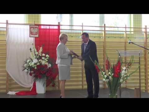 Minister Anna Zalewska podczas inauguracji roku szkolnego 2016/2017 w Świebodzicach