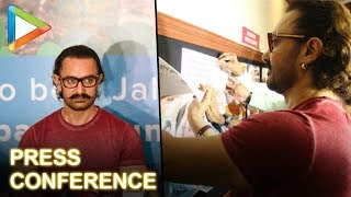 Check Out: Aamir Khan Signs Paani Foundation Posters At Symbiois College, Pune - HUNGAMA