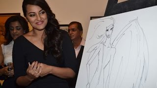 Sonakshi at art exhibition - IANSINDIA