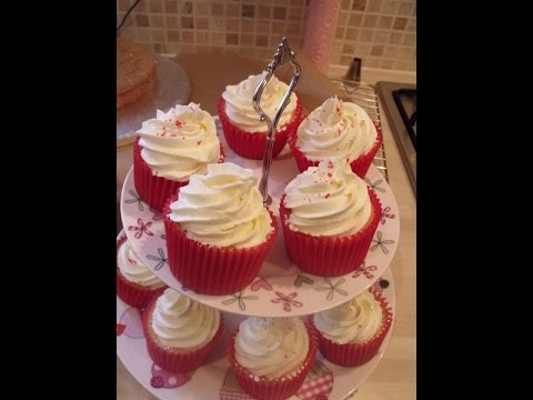 #2 - Beginners Guide to Baking Cupcakes - Baking the Cupcakes Tutorial