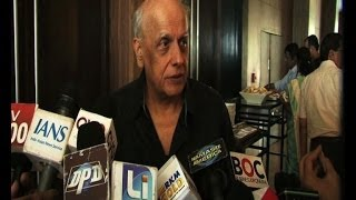 2 States: Its Arjun over Alia for Mahesh Bhatt  - IANS India Videos - IANSINDIA