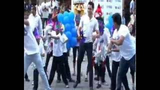 Imran Khan Leads A Flash Mob While Promoting Rio 2 - THECINECURRY