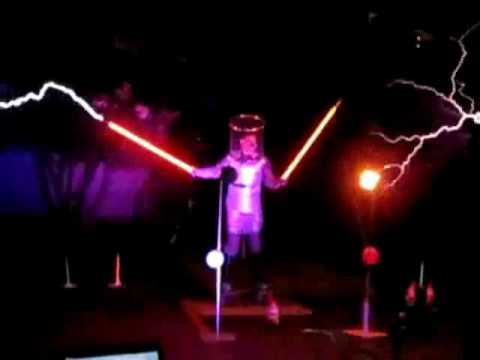 Zelda Theme SonG Played With Lightning Via Tesla Coil Lightsabers (Awesome)