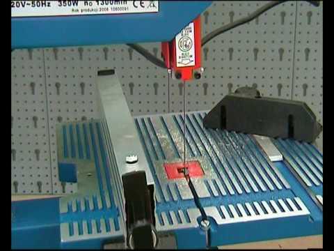 DEDRA Maszyna z piłą taśmową do cięcia drewna DED 7706
