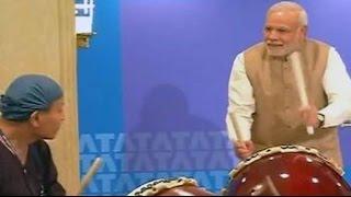 Narendra Modi plays drums alongside Japanese drummer at TCS event in Tokyo - NDTV