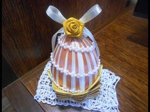 Styropianowe jajko ze wstążki