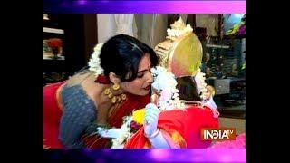 Kamya Punjabi bids adieu to Lord Ganesha with a grand celebration - INDIATV