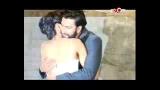Deepika Padukone cozing up with Ranveer Singh! - EXCLUSIVE