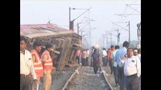 Howrah-New Delhi Poorva Express derails near Kanpur - ABPNEWSTV