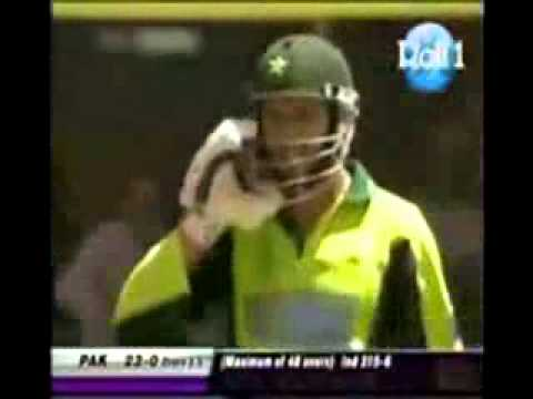 Shahid Afridi's Six in Punjabi Totay   Funny Clip of Cricket